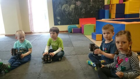 1463822330576